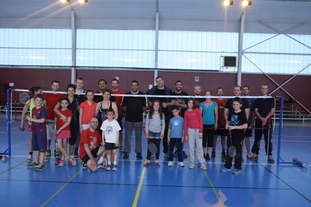 """Une animation """"badminton"""" a eu lieu à Villars Les Dombes le samedi 18 avril 2015 de 14h à 18h dans le but de créer un club à la rentrée scolaire 2015. Une cinquantaine de personnes étaient présentes. La suite des événements vous sera communiquée rapidement."""